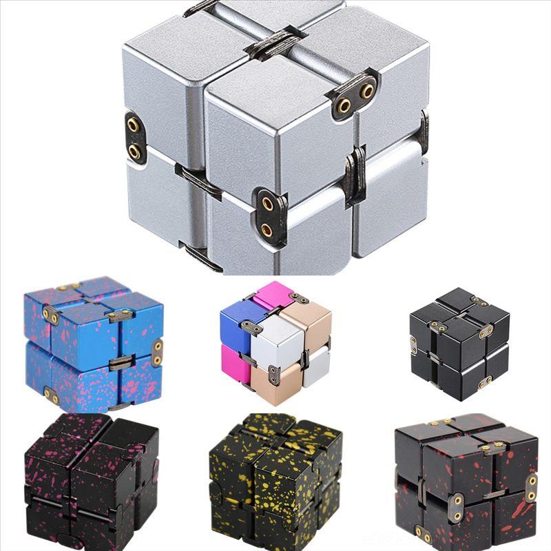 RODR6 Three-Dimensionnel Pensée Cube Alliage d'aluminium Infinite Cube Cube Rubik Space Corps De Rubik Pensée Modèle géométrique Jouets Cube Gear Rubik's