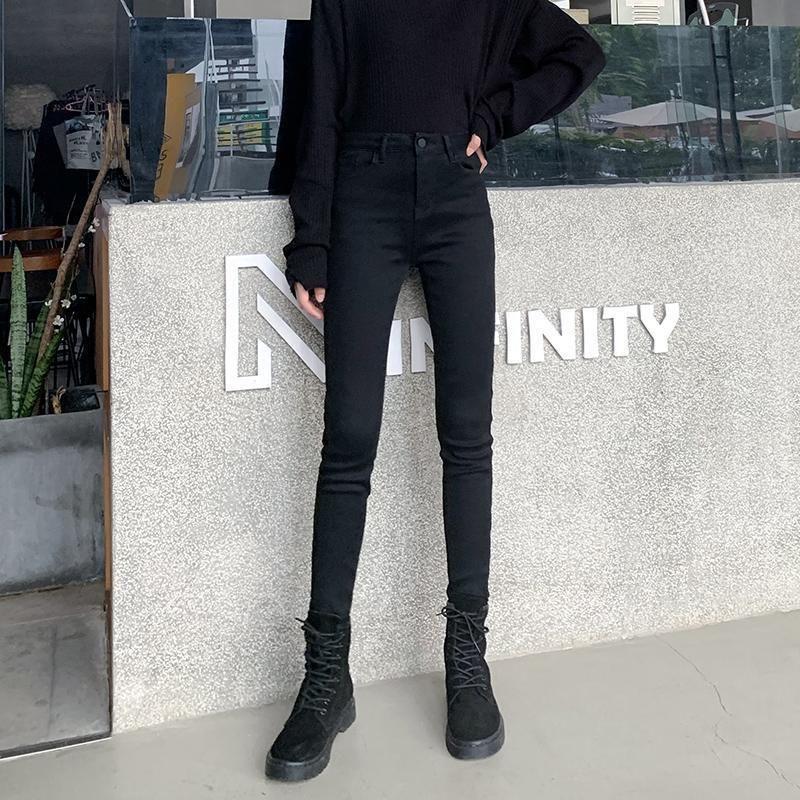 Add velvet padded jeans women tight autumn and winter new slim warm high waist feet pants long pants C0115