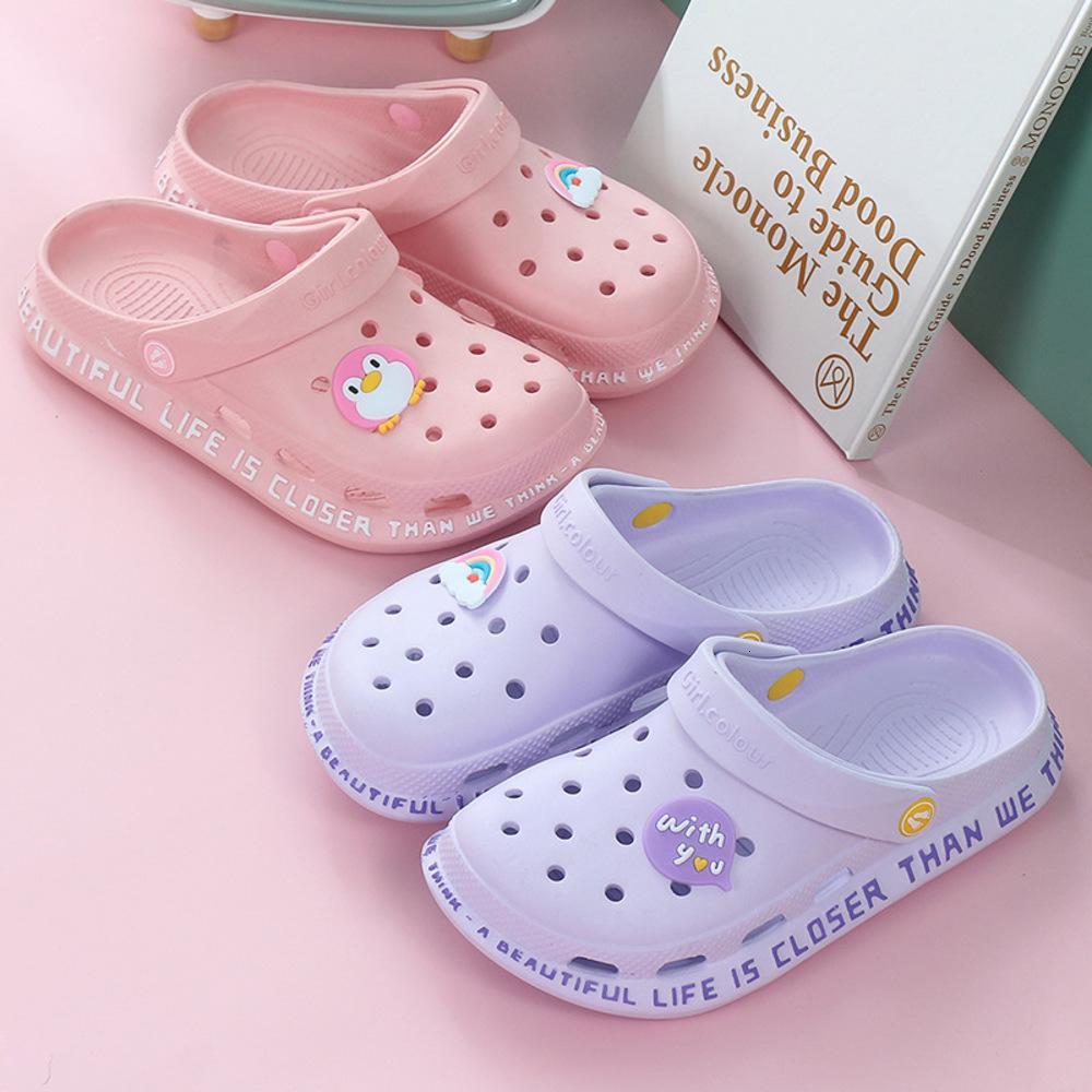 2020 أحذية ثقب الصيف الجديدة للنساء مع باطن ناعمة وصندل ممرضة خفيفة جميلة