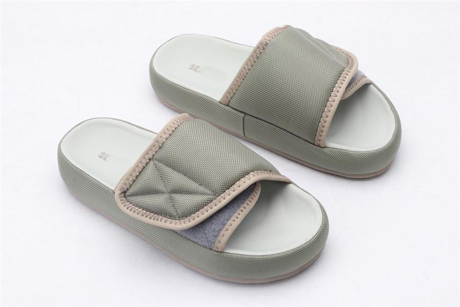 2021 Diapositive Hot Slide Summer Beach Intérieur Flip-Flops Flip-flops pour les couples de printemps et d'été Velcro pour hommes et femmes avec chaussure de plate-forme de plate-forme