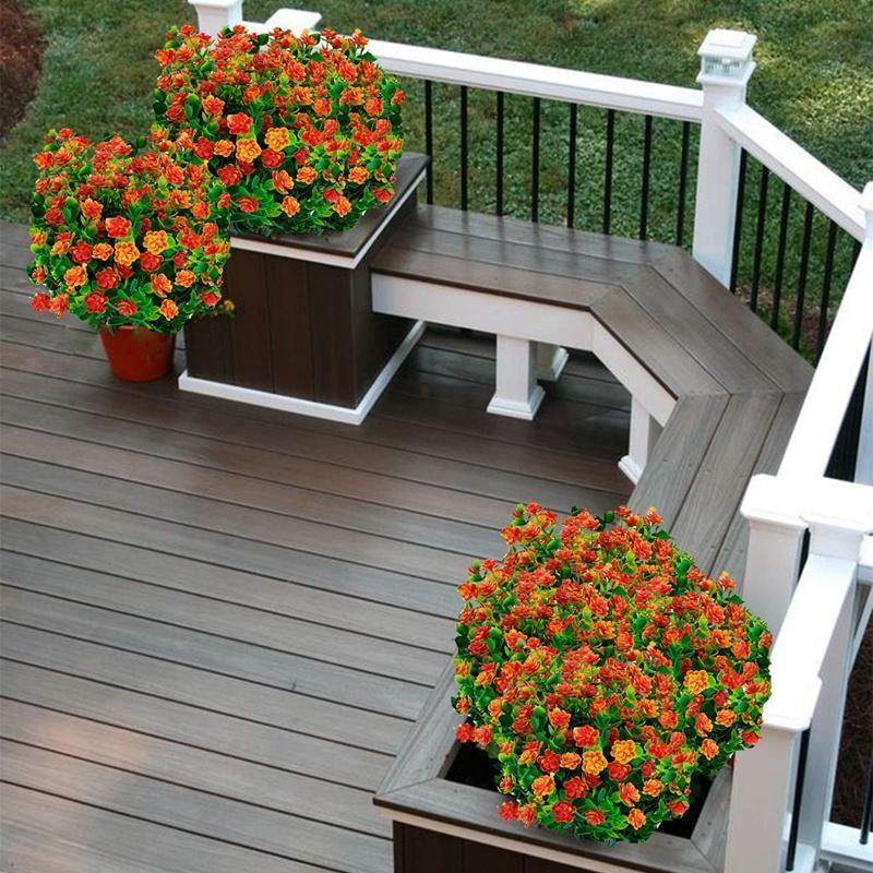 Vente chaude 8pcs fleurs artificielles plantes résistantes aux UV extérieures, 8 branches Faux en plastique de verdure en plastique arbustes plantes à l'extérieur suspendue