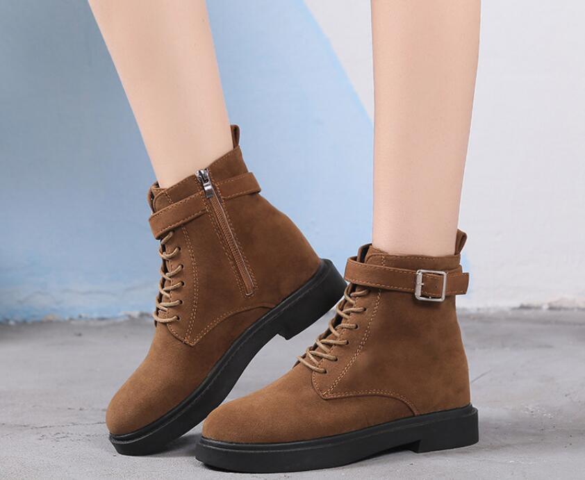 Transpirable clásico elegante moda rebaño botas cálidas sacudidas Cancere bombas invierno suave y cómodas cuñas mujeres botas casuales
