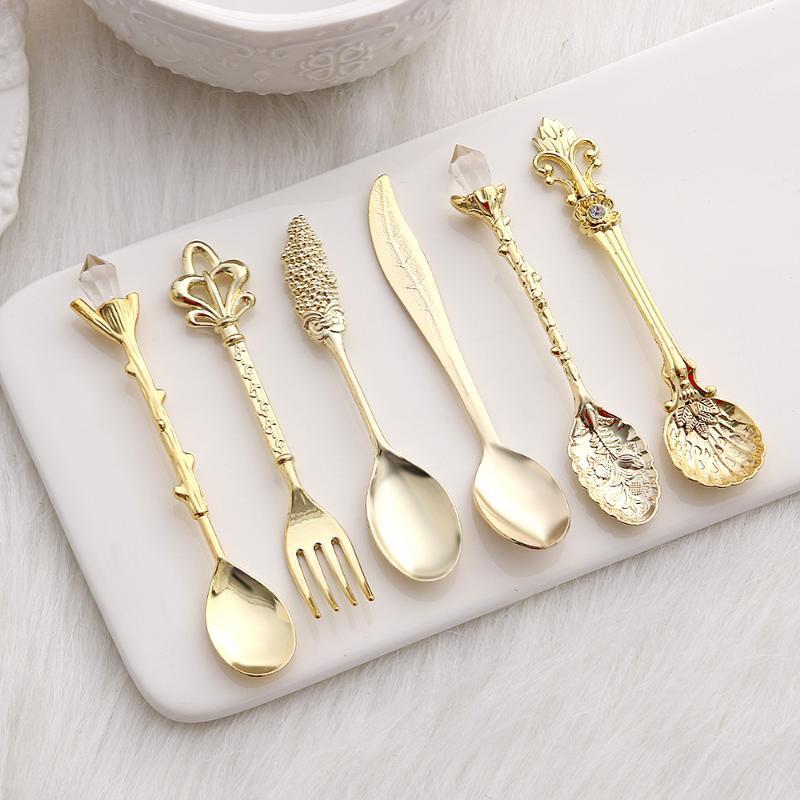 4/6 pcs mini estilo real colheres forquilhas metal vintage esculpido café frutas sobremesa talheres garfo sorvete colher cozinha talheres