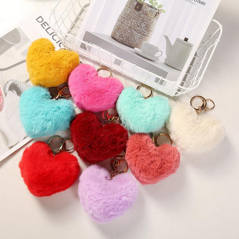 Moda pelúcia chaveiros pingente 10 cm criativo coração em forma de imitação de pele de coelho keychain decoração de bagagem chaveiro