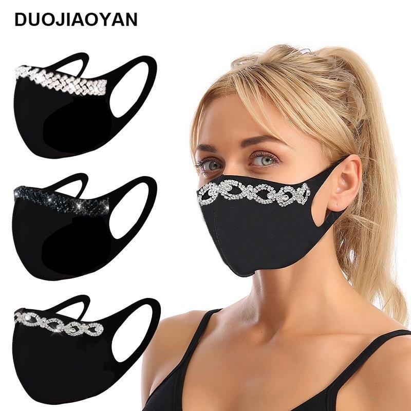 50% de desconto no atacado de fábrica popular no outono e inverno, flash à prova de poeira broca de água preto máscara de algodão preto, tipo de orelha máscara lavável A1