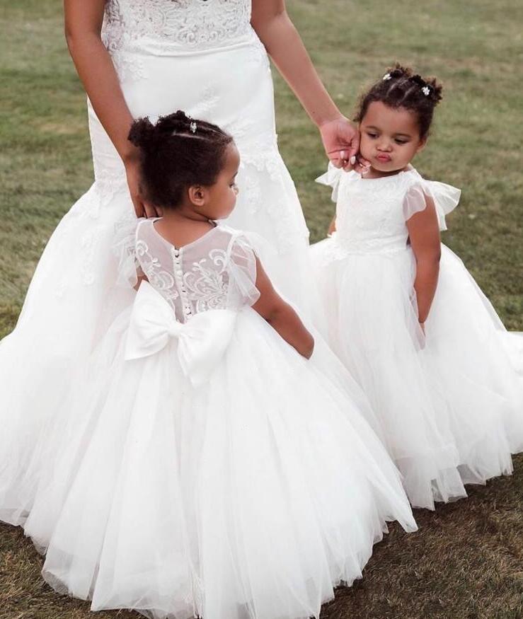 Beyaz Vintage Cap Kollu Çiçek Kızların Elbiseleri Düğün Dantel Büyük Yay Geri Bebek Çocuk Doğum Günü Partisi Kıyafeti İlk Communion Elbise Tutu