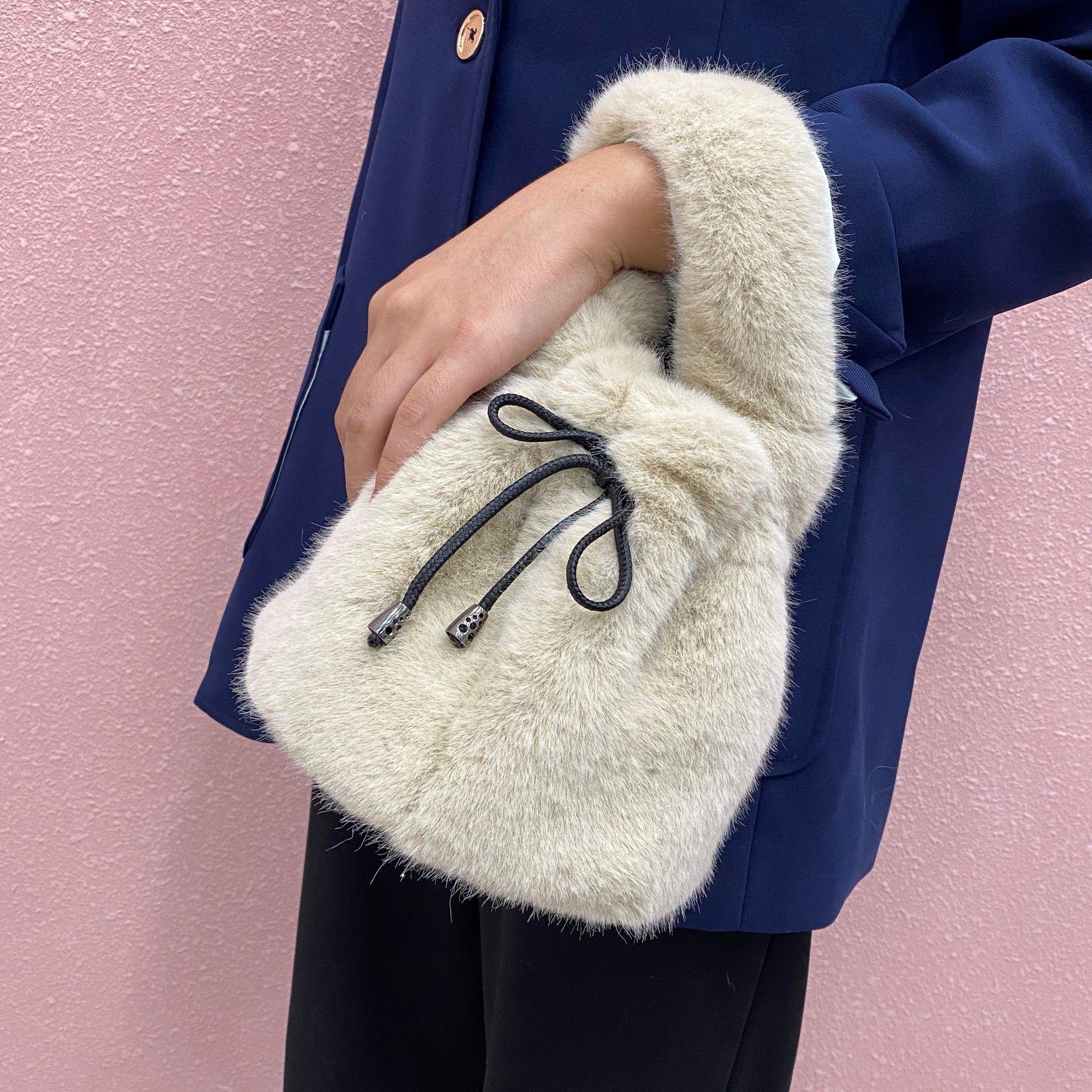 Bolsas pequenas macias de pelúcia para mulheres inverno moda senhoras balde bolsa de ombro luxo faux peles feminino embreagem bolsa mini tote q1129