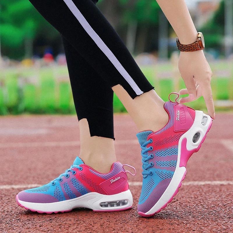 2020 Sıcak Kadın Sneakers Vulkanize Nefes Kadın Işık Casuals Yüksekliği Artan Kadın Tıknaz Ayakkabı # YK1X