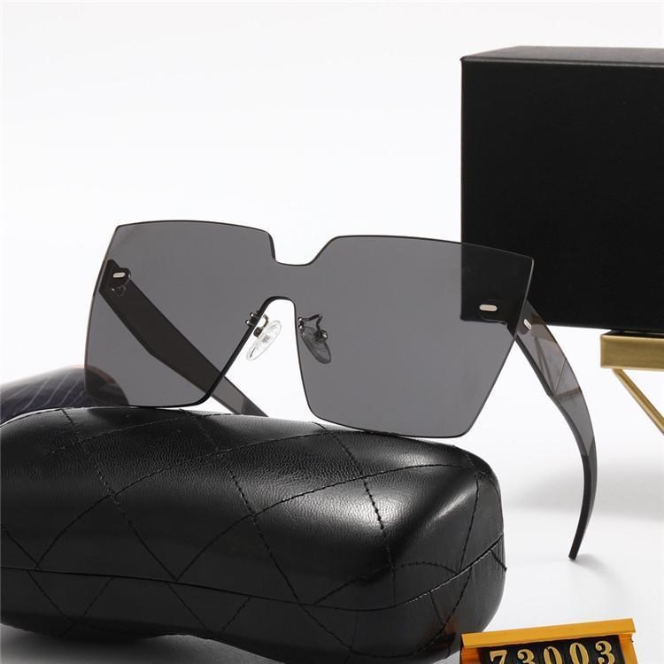 Gafas de sol de diseño de lujo con la caja original para mujeres clásico de verano estilo de moda marco de metal gafas de ojo de alta calidad de gafas UV