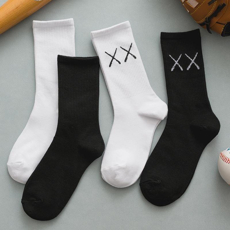 Hip-Hop-Socken der Männer und Frauen-Hip-Hop-Socken-Frühlings-Ins-personalisierte hohe Taille-Strümpfe Sommer dünne Mode-Socken