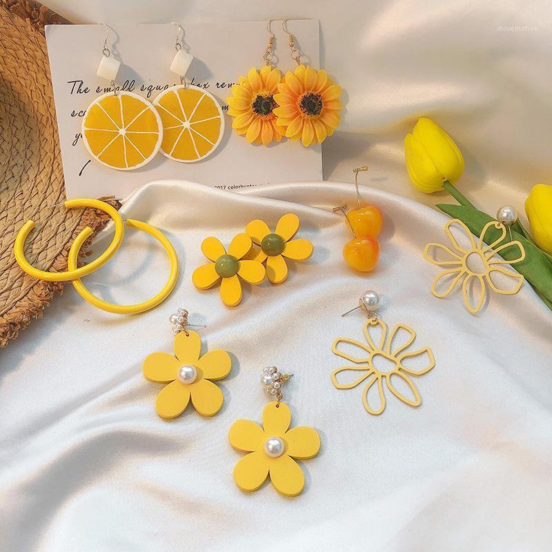 2020 Yeni Tasarım Kore Mizaç Kadınlar Için Sarı Çiçek Küpe Kişilik Tatlı Aolly Akrilik Küpe Takı Bayan1