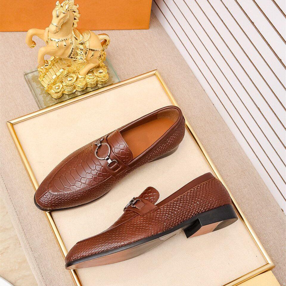 Designer di lusso Square Toe Designer di lusso uomo vestito scarpe scarpe in vera pelle tacchi alti Oxfords vestito formale da sposa da sposa appartamenti