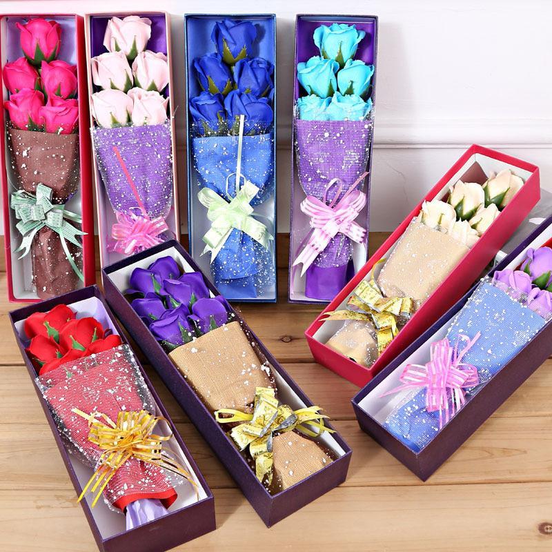 Rosas de sabão artificiais com pequenos ursos de peluche bonitos delicados cinco flor imortal ou três flores e urso
