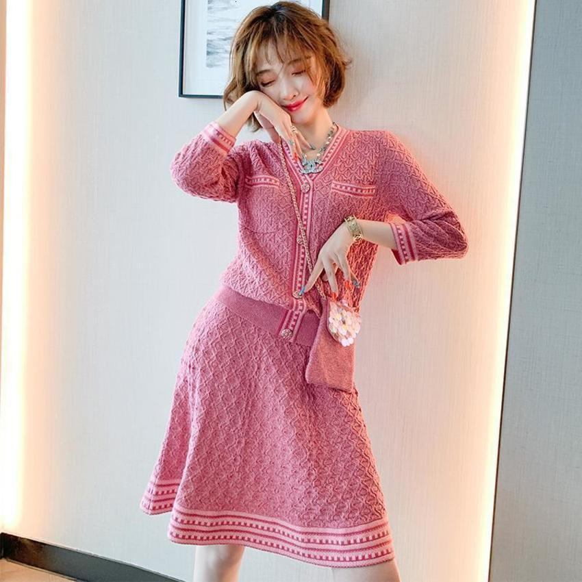 Autumn 2020 New French Style Small Fragrance Age Reducing Sweater Knitting Two Piece Suit Dress F1SP