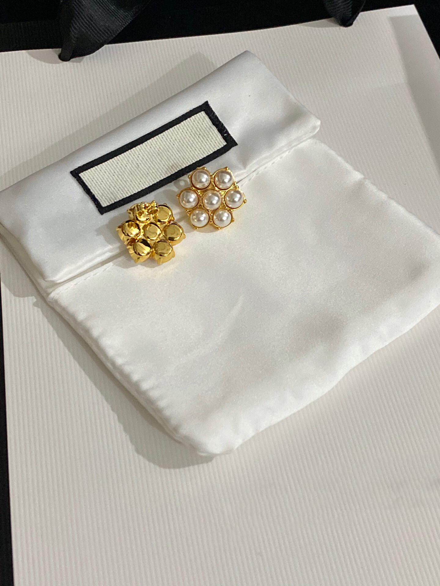2021 Conjunto de agujas Diamond Drop Pendientes de moda Femenina Personalidad coreana Pendientes Damas EUROPEA Y AMERICANA A Pendientes exagerados