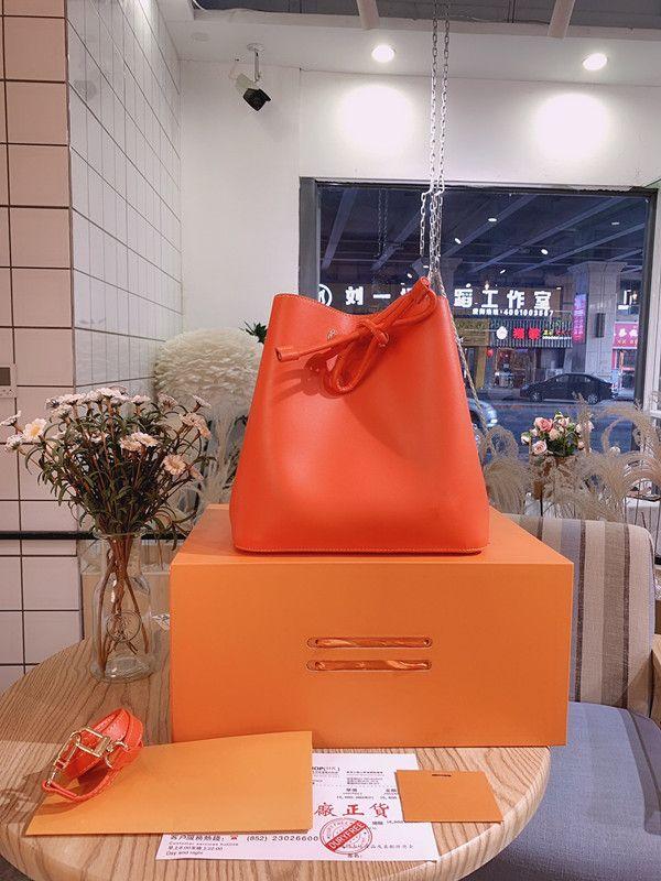 Original 2020 nouveau sac à main à la mode Femmes de haute qualité Curstring Sac de godets de cordon de cuisson léger et simple sac à bandoulière sacs cosmétiques sacs cosmétiques