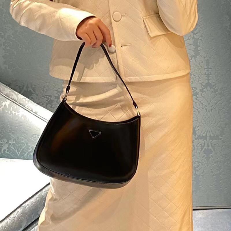 Frete grátis tamanho em todo o mundo 27 cm 19 cm moda clássico de couro de patente de couro senhoras bolsa de ombro melhor bolsa