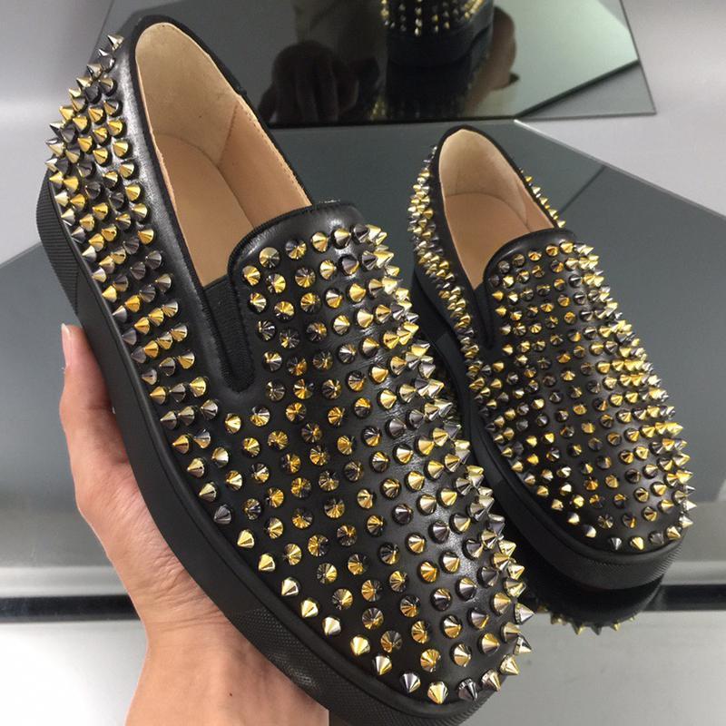 Austrália Designer Plataforma Mens Calçados Casuais Top Qualeza Nova Moda Sapatilhas Vermelho Bottom Slip-On Silver Spikes Adorn Toecap Tamanho 40-46