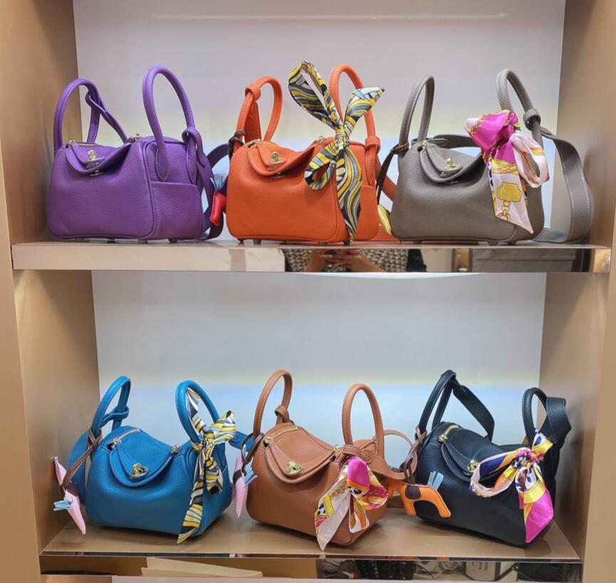 Mulheres 2021 Luxurys Designers Moda Bolsas Senhora Bolsa de Mão Totes Lidar com Bolsa Saddle Top Quality Europe e Americatrend Bolsa De Couro