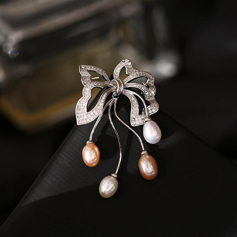 Korean brand high-end butterfly pearl brooch jewelry temperament women fashion luxury 18k gold plated shiny zircon sweater pin accessories