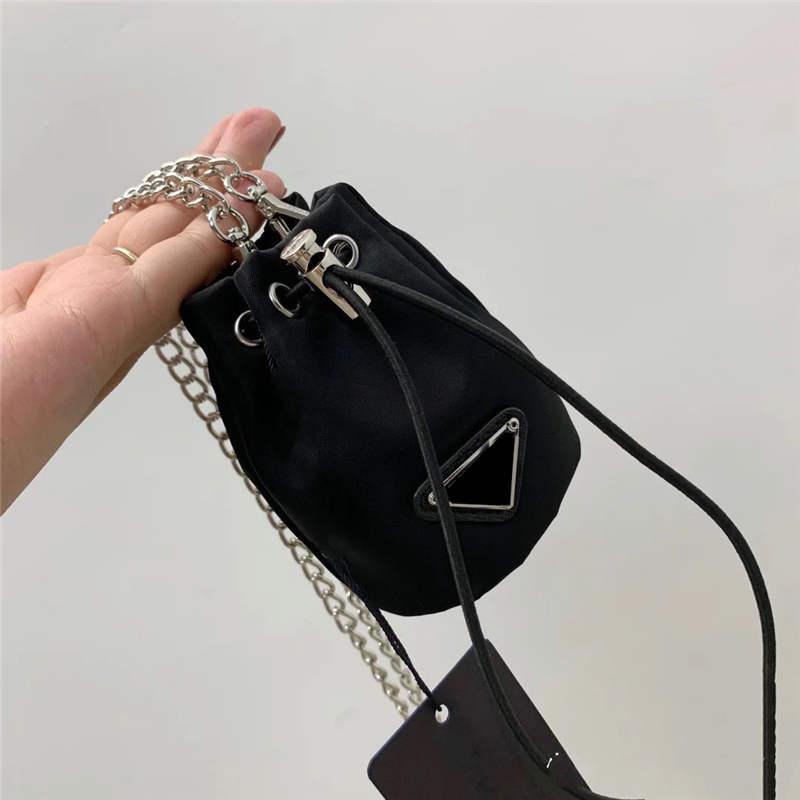 Portachiavi da donna Piccola borsa a catena lunga a tracolla a catena a tracolla con coulisstring classico borsa a mano secchio in vita portachiavi