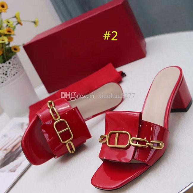 대형 클래식 고전적인 굽 샌들 거친 힐 가죽 디자이너 특허 가죽 여성 신발 당사자를위한 금속 버클 직업 섹시한 모래