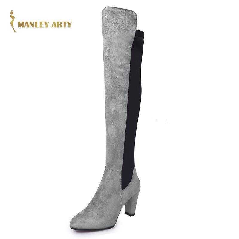 2021 Inverno tacco spesso indicò gli stivali del ginocchio Donne New Casual Fashion Suede Suede di grandi dimensioni temperamento tacco alto tacco alto
