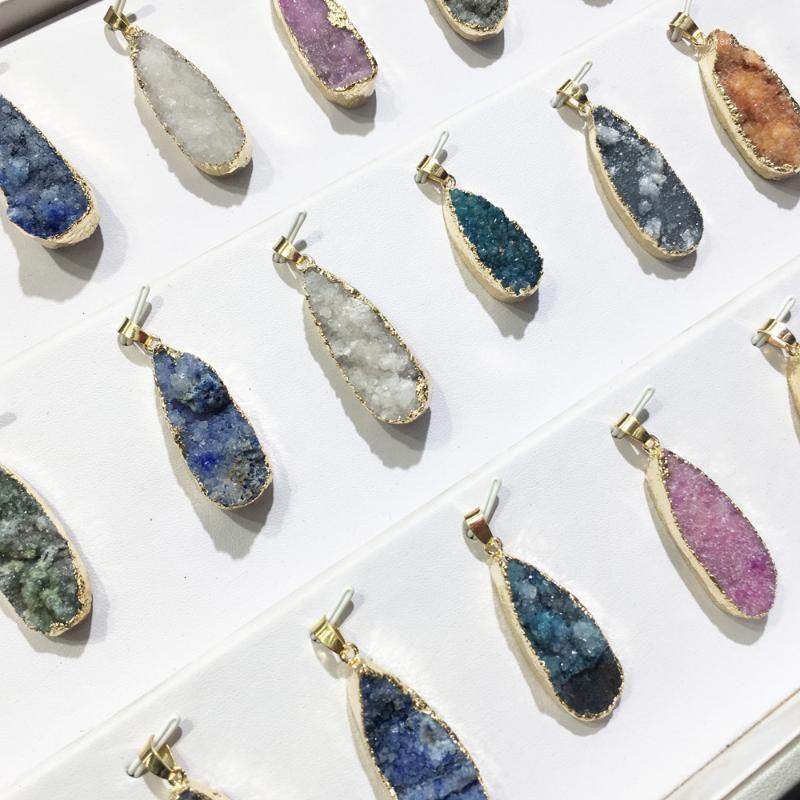 Ágatas brancas em forma de gota Ágatas verdes Pingente Reiki Cura de pedra Natural Amuleto DIY Jóias Pedra Natural Encantos Tamanho 25x55mm1