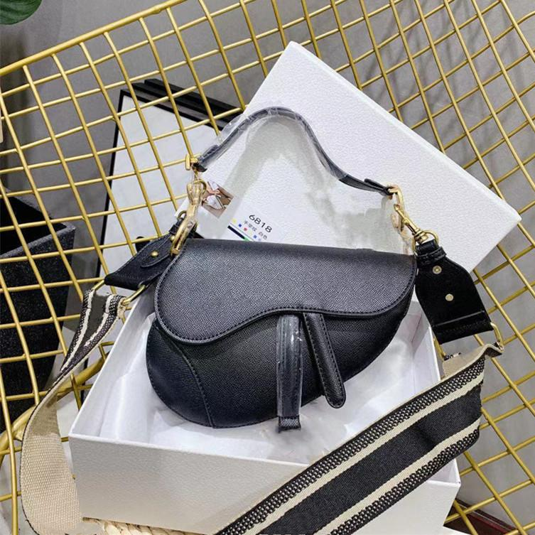 2021 Mulheres Luxo Selas Pretas Moda Branco Sacos de Ombro Designers Crossbody Bags Senhora Saddles Bolsas Legalada D21012701