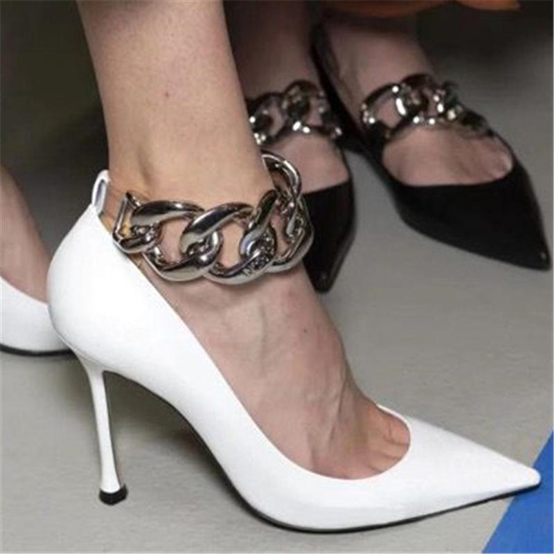2021 Ten.5cm High Woman Saltos Alto-luxo Cadeia de Metal Bombas Lady White Moda dedo Fêmea Toe Scarpins Fetish Wedding R8os