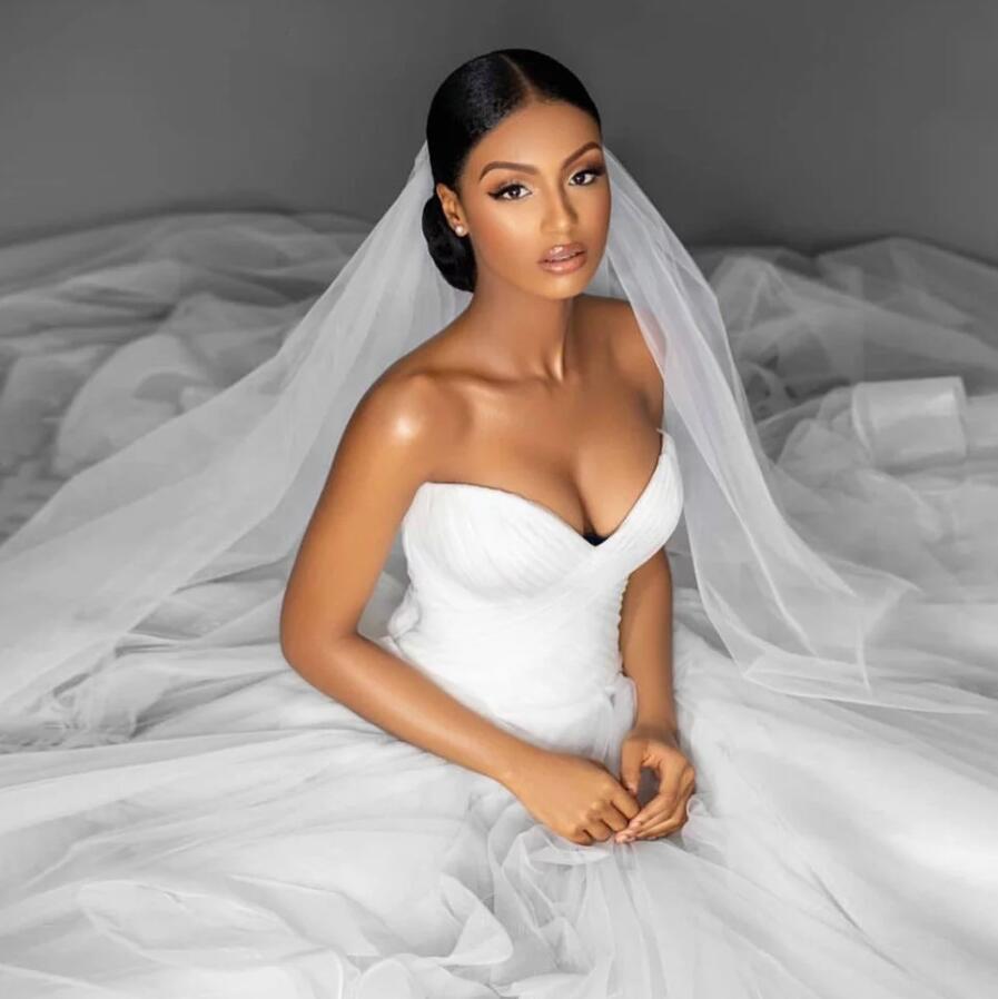 Basit Balo Gelinlik 2021 Sevgiliye Boyun Korse Geri Pleats Seksi Tül Gelinlikler Beyaz Resmi Artı Boyutu Marraige Elbise