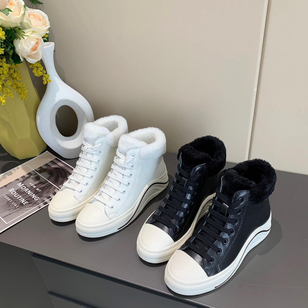 2021 Vente chaude Mode Femme Femmes Fourrure d'hiver Bottes Filles Casual Plein Enforant Dame De Fond Délai Écuit Blanc Blanc Soft Soft En Cuir Soft Boot # C01