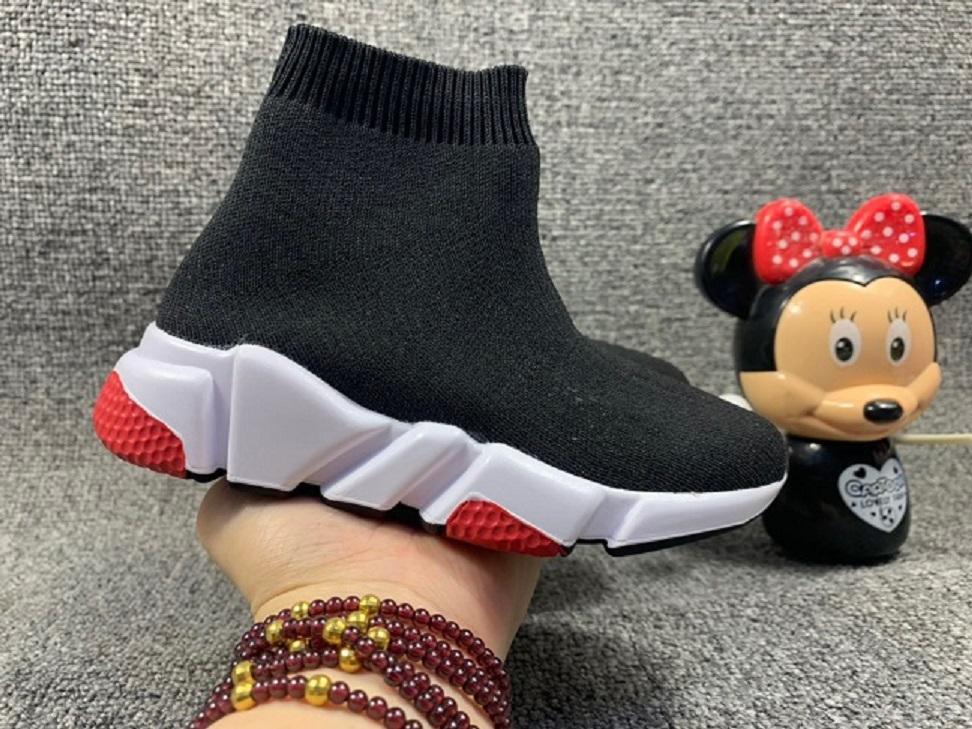 أطفال سرعة مدرب فتاة عداء رياضة أسود أحمر ثلاثي أسود أوريو الأزياء الجوارب المسطحة الأحذية النساء الأحذية عارضة الحجم 24-39