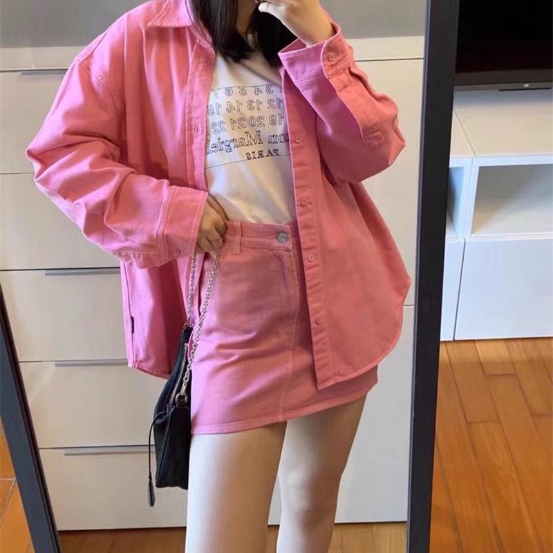 2020 Frühling und Herbst neue Art-Art und Weise beiläufig und vielseitig Einfach Alte Reduction Waschwasser Color Super Sweet Pink Denim-Hemd B1