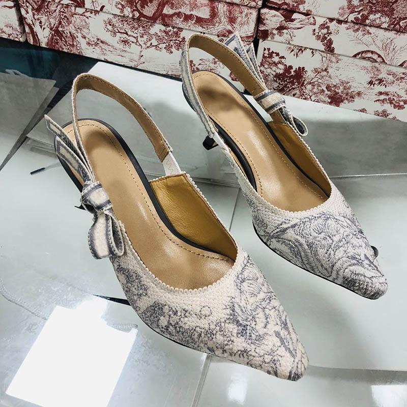 2021 Neue Sommer High Heels Brief Bow Knoten Dame Mesh Flache Stylists Schuhe Frauen Runway Spitz Zehe Schuhe Niedrige Ferse Schuhe Frauen Party Sandalen