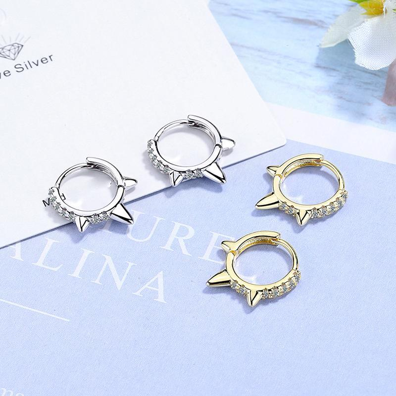 Mode Femme Bohême Huggies Huggies Boucles d'oreilles Cristal Géométrie Boucle d'oreille de Charme Bijoux Golden / Blanc Simple Tops Hoops