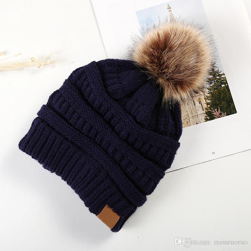2020 Sıcak Satmak Bayan Kış Örme Beanie Şapka ile Faux Kürk Sıcak Örgü Kap Yün Hemming Kürk Topu Kap