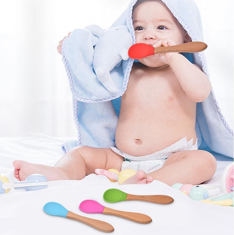 Novo bebê alimentando colher bambu alça de silicone colher bebê alimentos colheres anti-escalde e resistência de outono colheres de treinamento 9090