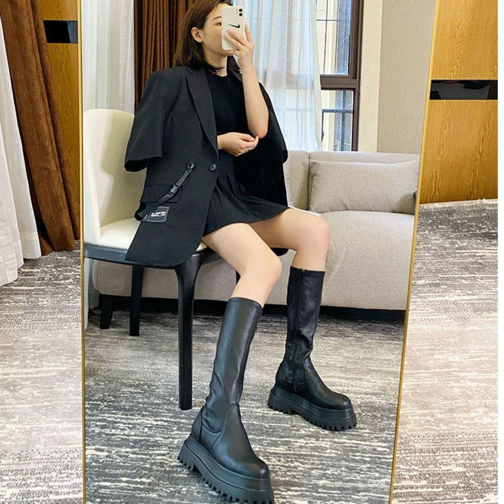 الأحذية الجلدية منصة الشتاء السنانير مرونة الدراجات النارية السوداء القوطي النساء فقط البساطة الركبتين عالية