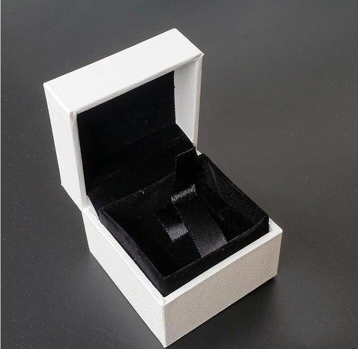 Classical Bianco Square Jewelry Boxing Boxes Original Boxes 5 * 5 * 4 cm per Pandora Charms Black Velvet Anello Orecchini Visualizzazione dei gioielli CZ220