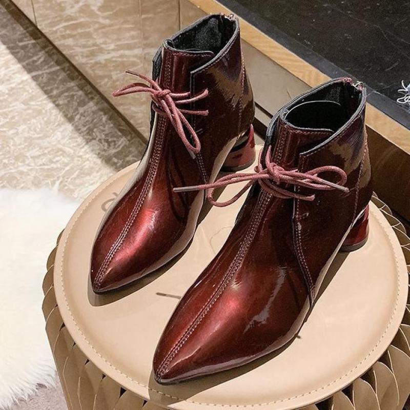 Chaussures à lacets à lacets