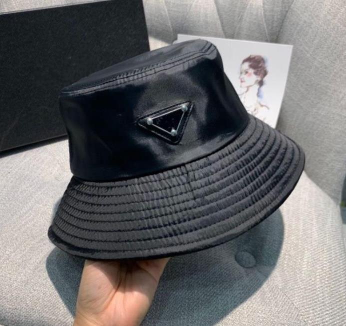 20ss 여성을위한 새로운 양동이 모자 패션 클래식 디자이너 여성 나일론 모자 새로운 가을 봄 어부 모자 태양 모자 드롭 우주선