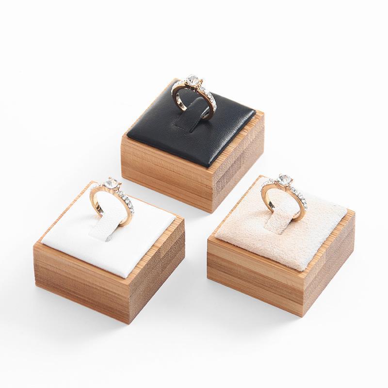 Mode Bambou Bijoux Anneau Porte-Présentoir Vitrine Organisateur Bijoux Boucle d'oreille Porte d'affichage Organisateur Stand 4 * 4 * 2,5 cm