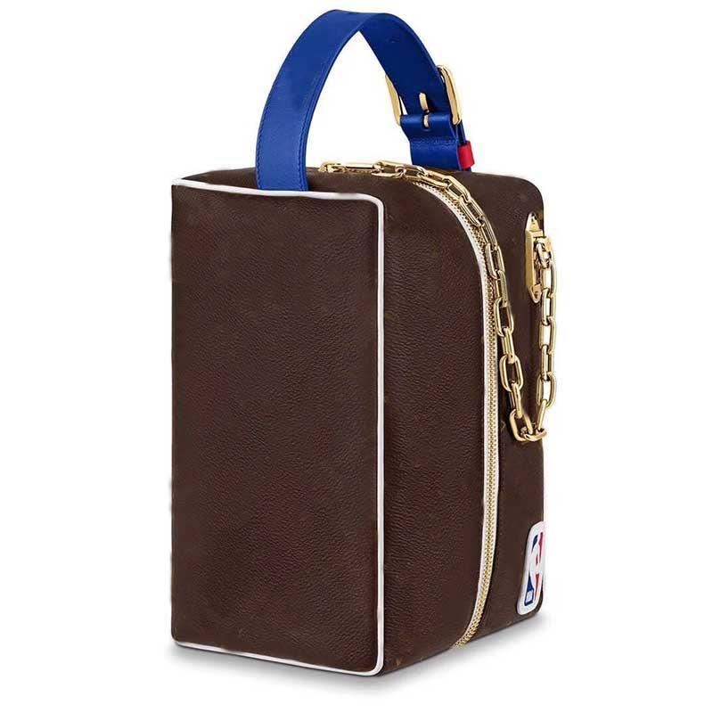 큰 화장품 가방 여성 핸드백 진짜 가죽 가방 편지 지퍼 골드 금속 액세서리 고품질의 오래 된 꽃 무료 배송