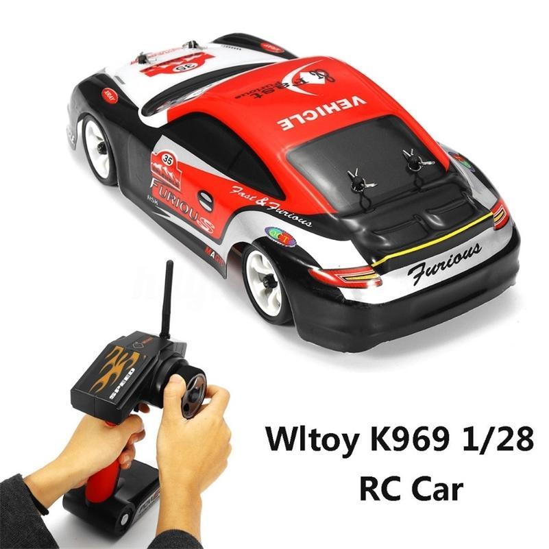 WLTOYS K969 1:28 RC CAR 2.4G 4WD Матовый моторный Voiture Telecommande 30 км / ч Высокоскоростная RTR RC Drift Car Loley Пульт дистанционного управления автомобиль 201218