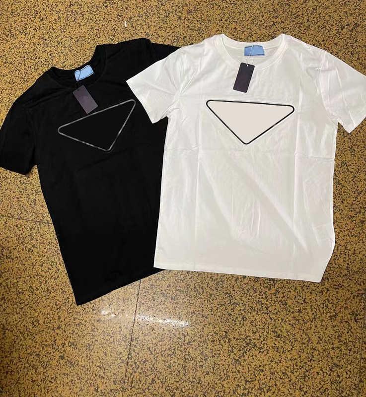 2021 Moda de verano hombres camiseta camiseta con letra impresa Casual para hombre para mujer Streetwear T Shirts de alta calidad Vidas al aire libre Ropa S-2XL