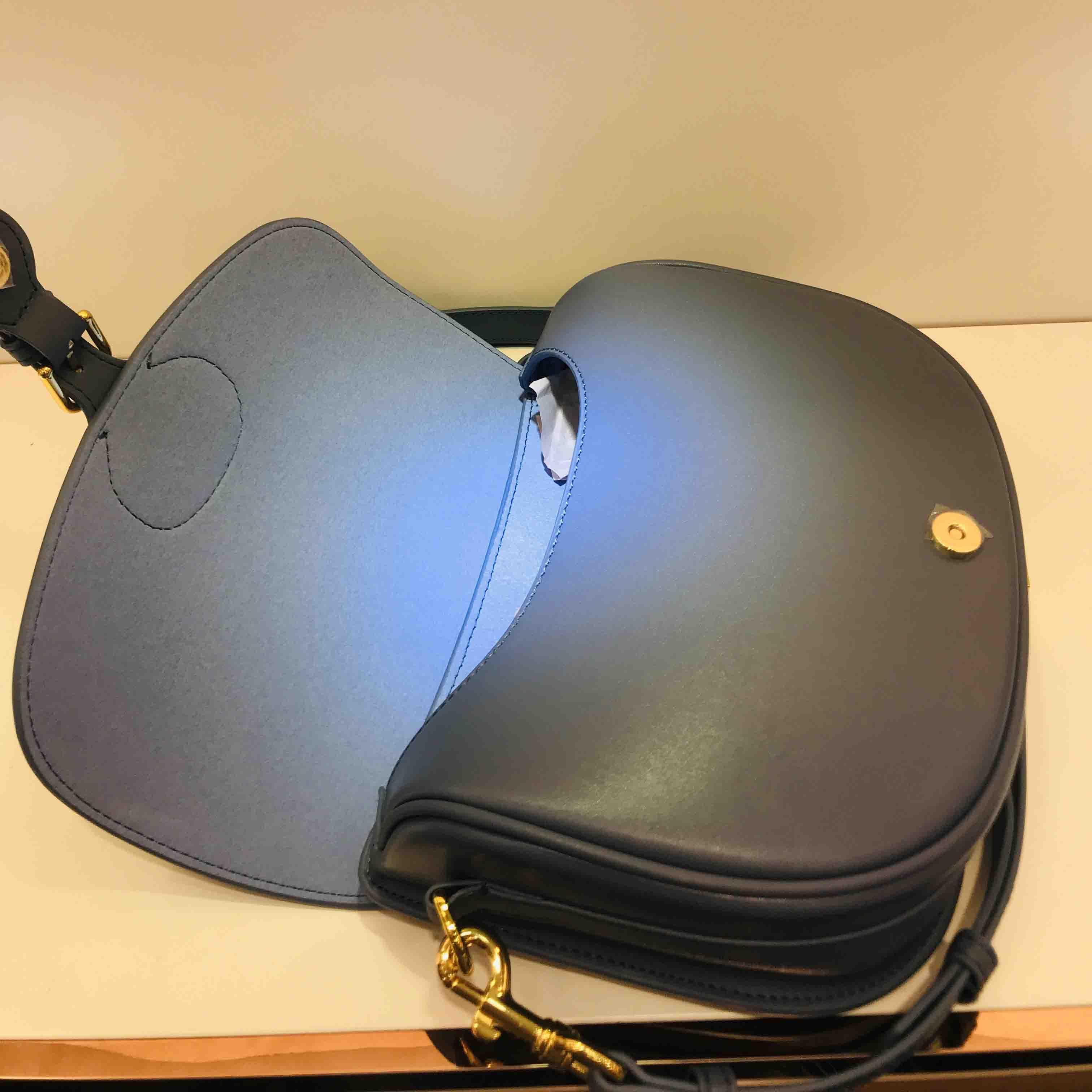 حقيبة يد كلاسيكية أعلى جودة جلد طبيعي مع الكتف حزام محفظة المعادن قلادة حقائب الكتف المرأة حقيبة crossbody حقيبة جلد البقر