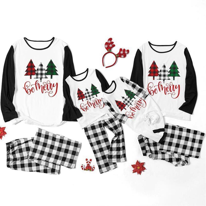 부모 - 자식 크리스마스 가족 잠옷 여자 아이들이 아이들을 세트 아기의 구독자 컬러 크리스마스 트리 편지 T- 셔츠 후드 Plaid 바지 정장 F120301