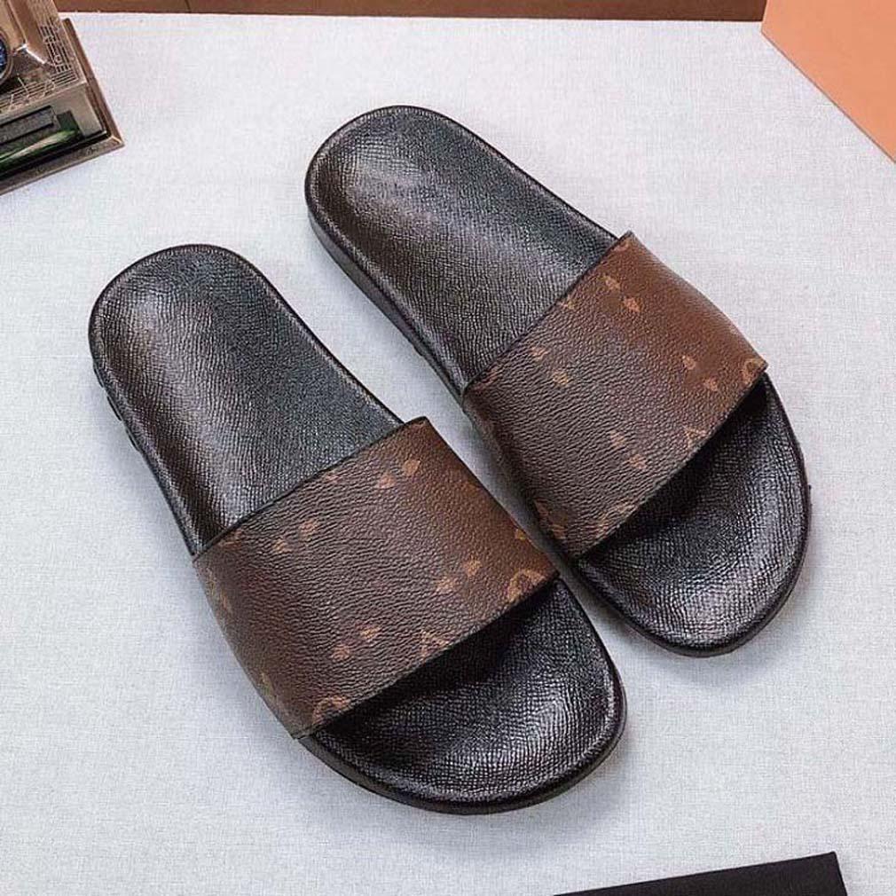Vente chaude - Homme de la mode Sandales Femmes Designer Chaussures Bohemian Diamond Pantoufles Femme Femmes Flip Flop Chaussures Sandals de plage d'été