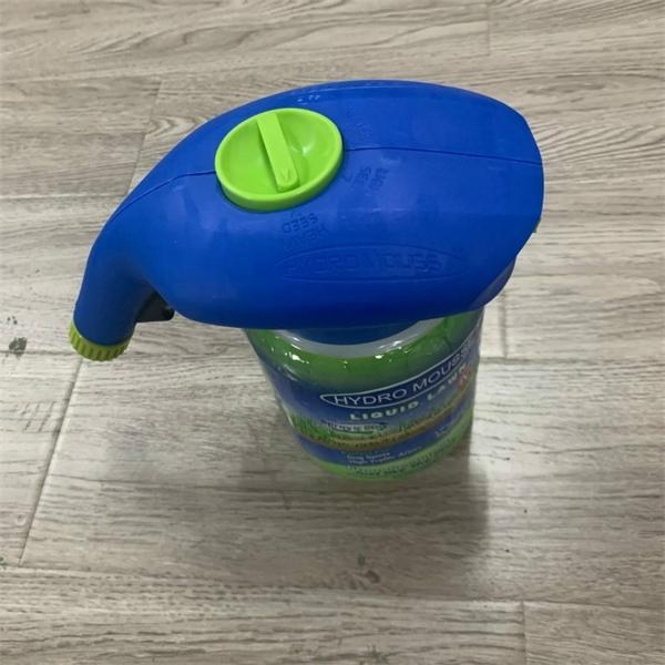 Dispositivo de spray del sistema de siembra de la casa de jardín para herramientas de cuidado del césped, incluido el líquido Q1128